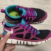Легкие кроссовки Nike оригинал 38 размер стелька 24 см