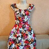 Платье красивое в цветы хс или подростку