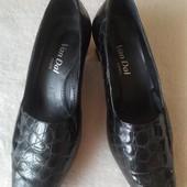 Черные лаковые туфли лоферы от van dal Англия