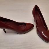 Звабливі шкіряні туфлі