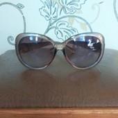 Сонцезащитные очки, очень классные