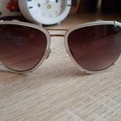 окуляри фірми Superdry
