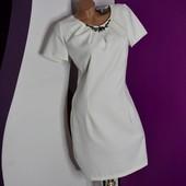 р.46 новое! белоснежное платье Fervente с украшением.