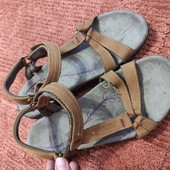 Кожаные спортивные сандалии Mountain Warehouse