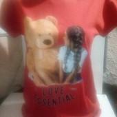Молодежная женская футболка Love Essential .