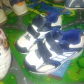 2 пари кросівок 17см стелька