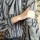 Блуза/рубашка цвета дождливого неба с бантом спереди