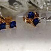 супер! очень красивые и нежные гвоздики, синий фианит 4*4 мм, форма квадрат, позолота 585 пробы