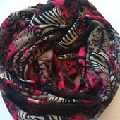 Суперовий брендовий шарф снуд у відмінному стані 100*80