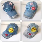 Джинсовая кепка для девочки .С ярким декором.Стильная,красивая.