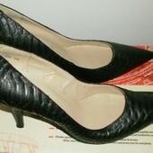 Шикарные женские туфли, размер 40 -26.0 см