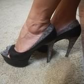 Шикарные кожаные туфли с открытым носиком39 р.