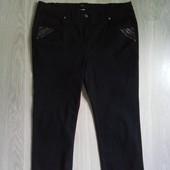 Фирменные красивые коттоновые лёгкие брючки-джинсы р.20-22 в состоянии новой вещи