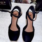 Чёрные замшевые туфли на танкетке от H&M стелька 23,5 см
