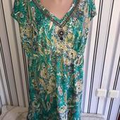 Зелене плаття декороване камінцями і бісером Wallis,розмір L (Пог -56)