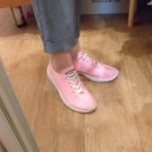 Женские кроссовки с перфорацией.Стильные,удобные,отличного качества.р.36,37,38,39