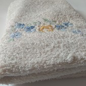 Пухнастий плотний лицьовий рушник у відмінному стані 103*53 Європейська якість за приємну ціну