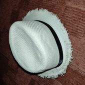 Летняя шляпка с потрёпанным краем