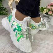 Крутые белоснежные кроссовки со светоотражающимм вставками