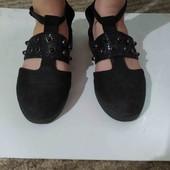 Школьные туфли на девочку. Р 36.