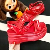 ##красные босоножки Sport на платформе, размеры 38.39!