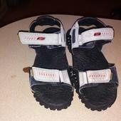 Без дефектов, неубиваемые! Фирменные сандали Reebok! р 39, ст 26 см!