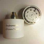 Tiziana Стойкость парфюма больше 12 часов на коже и длиннейший шлейф в течении всего дня обеспечены.