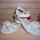 Нарядные белые босоножки р32-35 для девочки маломерки