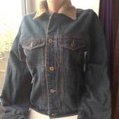 Классная джинсовая ветровочка,состояние хорошое,смотрите описание