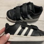Кроссовки Adidas оригинал 27 размер стелька 17 см ( на бирке 16 см)