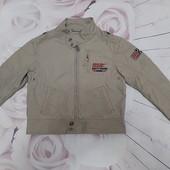 Легкая курточка мальчику р. 110