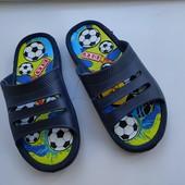 Дитячі шльопанці шлепки сині, футбол 33✓ 22см от краев лот ф2