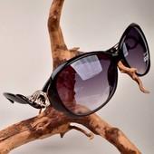 Стильные очки. Черные, коричневые.