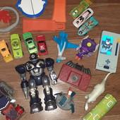 Лот игрушек, все что на фото