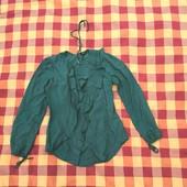 Нежная блуза красивого бутылочного цвета в хорошем состоянии с интересным кроем Glans Isakova s/m
