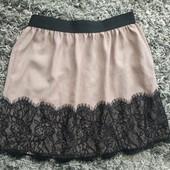 Красивая и нарядная юбка на худенькую девушку или девочку подростка в хорошем состоянии