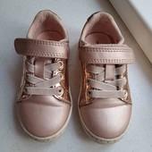 Кросівки дитячі. Устілки 14 см.