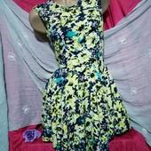 Красивое летнее платье, штапель, на подкладке. Состояние идеальное, новой вещи.