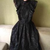 Шикарное платье от H&M,размер с-м