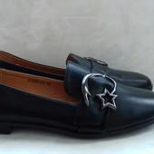 Туфли на низком ходу 42р.=27см.Очень удобные. Полномерные.