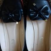 Продам красивые туфельки 38 размера.