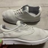 Белые кроссовки Vans 38 размер стелька 24 см . Летние.