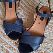 Top Shop. Кожаные босоножки сандали. Италия