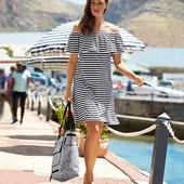 Трикотажное платье с воланом с содержание вискозы на летние дни Tchibo германия размер 36 евро=42-44