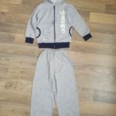 Спортивный костюм Adidas на 4-5 лет