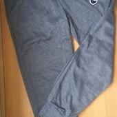 Спортивные штаны для девочки. На рост 140 Замеры в описании