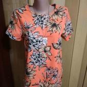 Красивая яркая блузочка 36 размера.