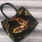 Текстильная женская сумка с вышивкой пайетками бабочка