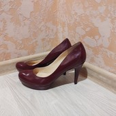 Новые.. натуральные брендовые туфли Marc Fisher
