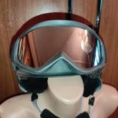 Шолом для гірськолижного спорту з окулярами і рукавицями
